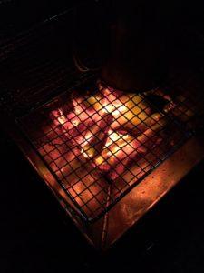 小さな炎に癒される。